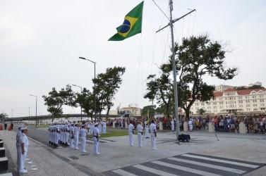 Cerimonial à Bandeira aberto ao público marca as comemorações do Dia do Marinheiro