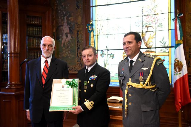 Cerimônia do Dia do Marinheiro é realizada no México