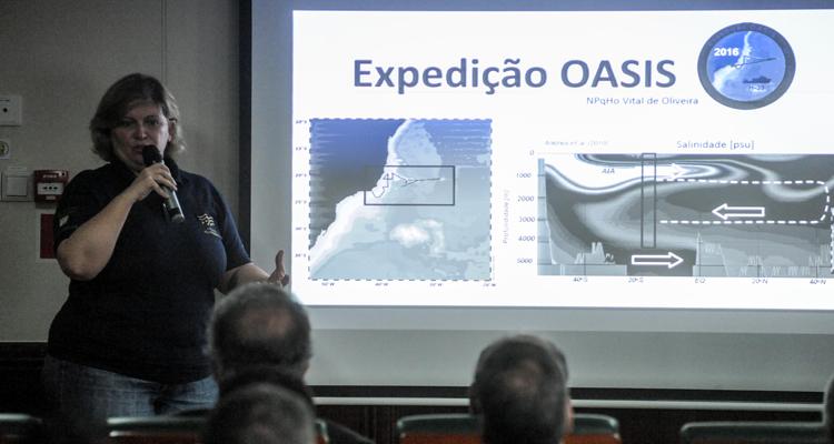 Ana Luíza é atuante na área de Geoquímica Marinha/Paleoceanografia