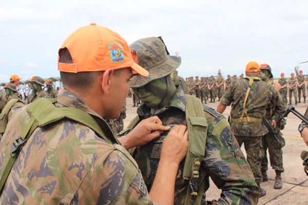 Os militares vão trabalhar em missões de busca e salvamento