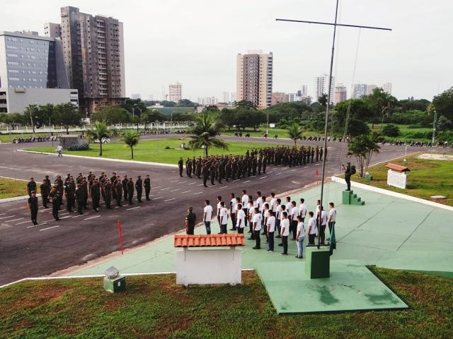 Licenciamento da primeira turma de soldados do Efetivo Variável pelo Brasil