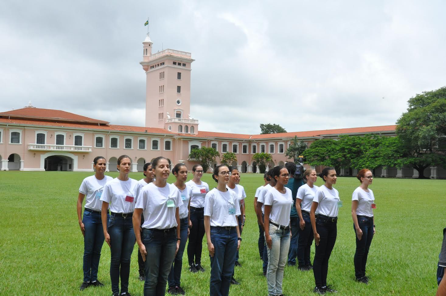 Escola Preparatória de Cadetes do Exército recebe suas Primeiras Alunas