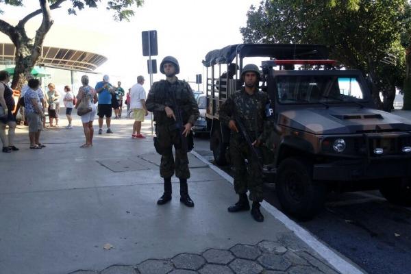 Militares da FAB atuam em operações de Garantia da Lei e da Ordem no RJ