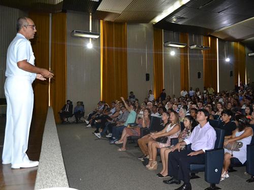 Comandante do CIAGA ministra palestra aos alunos