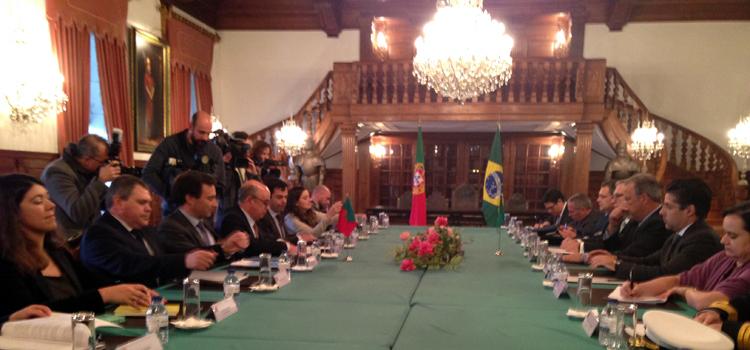 O evento reúne setores de governos e empresários brasileiros e portugueses para estabelecer mecanismos que ampliem negócios