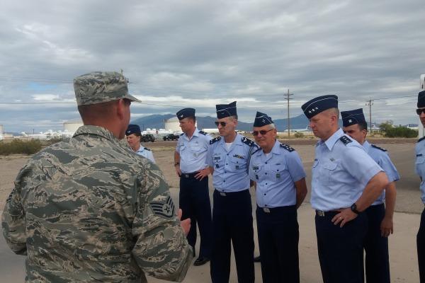 Comitiva brasileira visitou 12ª Força Aérea dos Estados Unidos, no Arizona