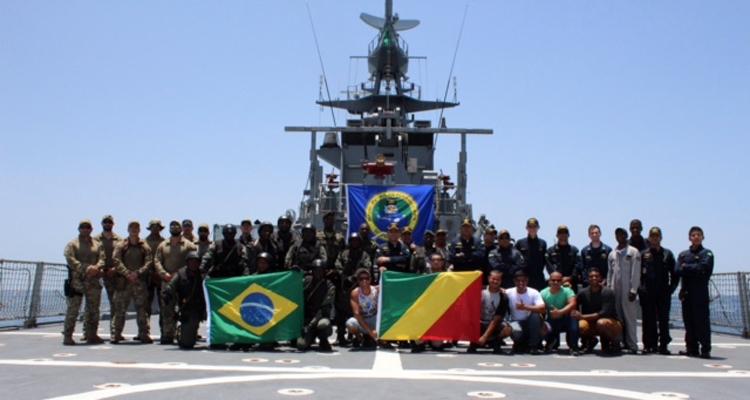A capacitação envolve equipes de brasileiros, europeus, sul-americanos e militares da costa oeste da África