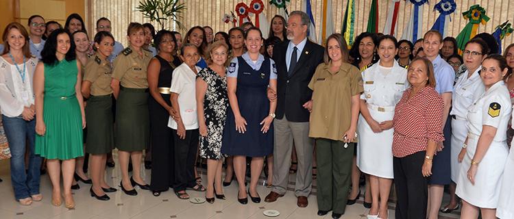 Ministério da Defesa comemora Dia da Mulher com cerimônia só delas