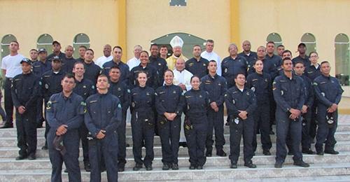 Militares comparecem à missa da comunidade de Careiro da Várzea