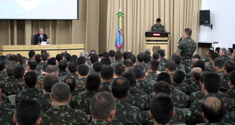 Ministro Jungmann realiza palestra para alunos da Escola de Comando e Estado-Maior do Exército (ECEME)