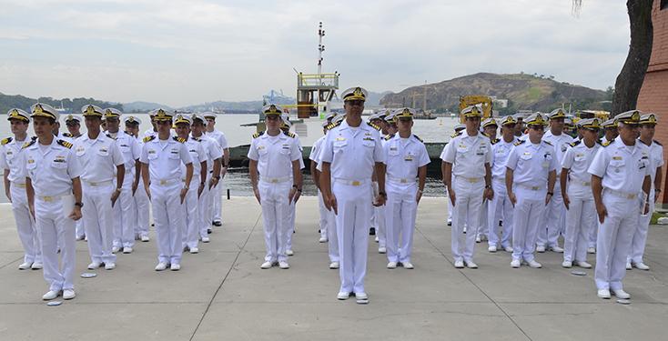 Comandantes e tripulações dos navios agraciados