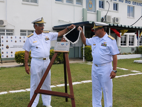 Descerramento da placa de inauguração da Rádio Marinha