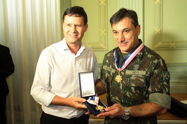 No encerramento da Operação Capixaba, Comandante da Força-Tarefa é homenageado