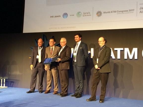 DECEA, CISCEA E FREQUENTIS recebem prêmio de tecnologia em congresso internacional