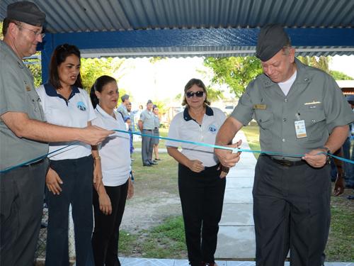 Voluntárias Cisne Branco-Seccional Manaus inauguram mercearia social