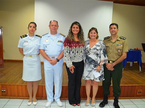 Vice-Almirante Hecht, Diretora das VCB Seccional Manaus, Vania Hecht,  e palestrantes