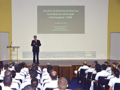 Professor Doutor Marcelo Knörich Zuffo ministra aula inaugural para o CFO 2017