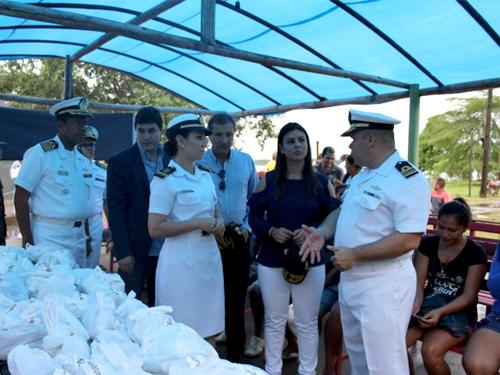 Comandante do Navio fala sobre a distribuição de medicamentos à comitiva