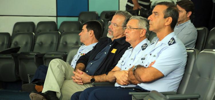 Jungmann foi recebido em Alcântara pelo comandante do CLA, coronel Luciano Valentim Rechiuti