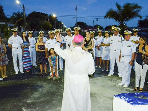 Arcebispo Dom Fernando ministra benção ao local que será construída a Capela Nossa Senhora das Graças