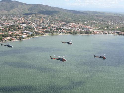 Aeronaves durante a chegada em São Pedro da Aldeia
