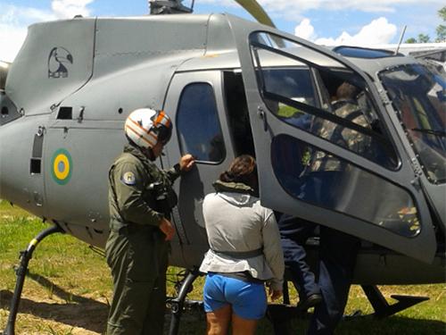 """Paciente com risco de parto precoce é atendida pelo NAsH """"Oswaldo Cruz"""" e transportada por aeronave"""