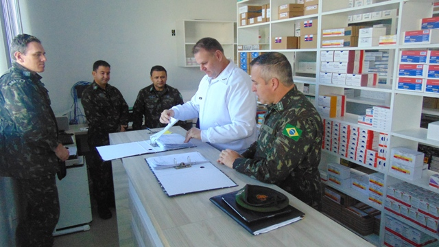 Hospital de Guarnição de Santiago recebe visita de orientação técnica
