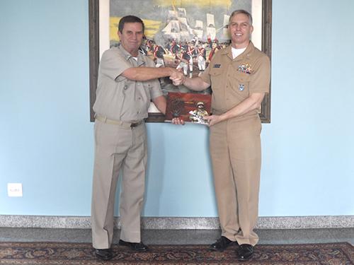 Comando-Geral do Corpo de Fuzileiros Navais recebe visita de Oficial de Ligação Militar dos EUA
