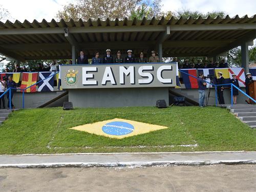 Marinheiros Recrutas realizam juramento à Bandeira na EAMSC