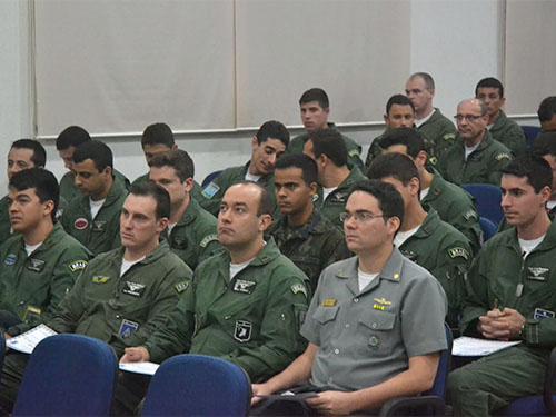 CGEM participa do Curso Doutrinário de Guerra Eletrônica da FAB