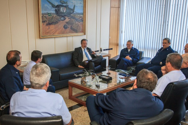 Ministro da Defesa Raul Jungmann participa de reunião de Alto-Comando da Aeronáutica