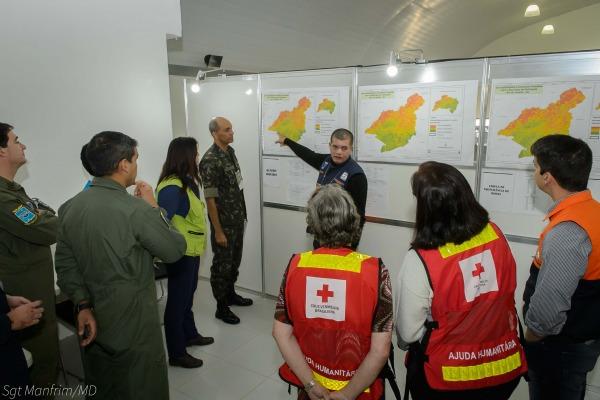 Militares da FAB treinam para atuar em acidentes naturais ou provocados