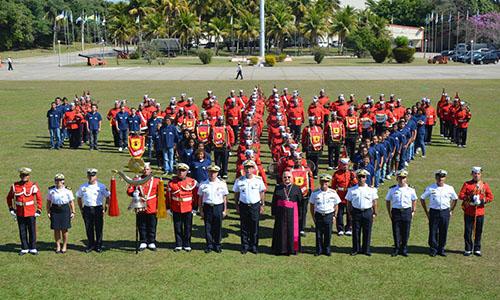 Banda Marcial do CFN e destacamento de crianças e adolescentes do PROFESP-CIASC