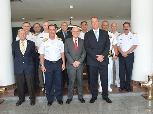 Cerimônia marca a parceria entre Marinha do Brasil e Comitê Olímpico dos EUA nas Olimpíadas de 2016