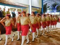 Estudantes do CMM durante Desfile da Saudade, encerrando a cerimônia