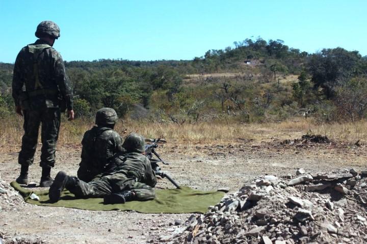 Unidades da 10ª RM realizam tiro das armas coletivas