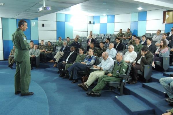 Comandante da FAB e autoridades realizam visita ao Centro de Lançamento de Alcântara