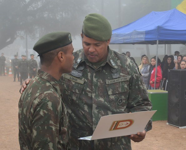 Dia do Soldado e compromisso à Bandeira na 3ª Região Militar