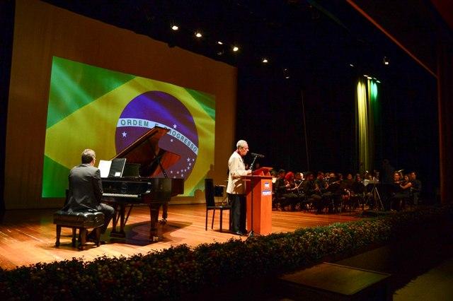 Música e Poesia homenageiam Soldado do Exército em cerimônia na sede da POUPEX, em Brasília