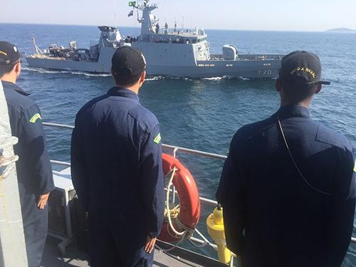 """RbAM """"Almirante Guillobel"""" participa da Comissão """"REBOQUEX VIII – 2017"""""""
