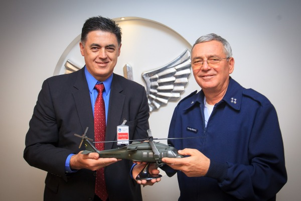 Sikorsky celebra as 30 mil horas de voo do helicóptero H-60 Black Hawk na FAB
