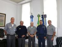 A partir da esquerda: Contra-Almirante Vanley, Vice-Almirante Lima Filho, Almirante de Esquadra Küster, Capitão de Mar e Guerra Jimenez e Vice-Almirante Olsen