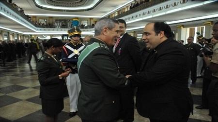 Exército homenageia esguiano Padre Omar com Medalha do Pacificador