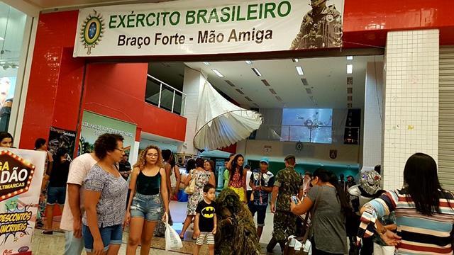 """44º BI Mtz realiza exposição alusiva à """"Semana do Soldado"""" no Pantanal Shopping"""