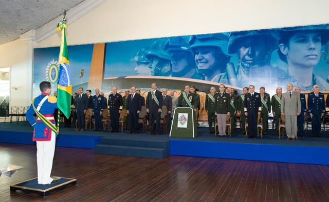 Os valores, a dedicação e o sacrifício do soldado brasileiro foram celebrados em solenidade na Capital Federal