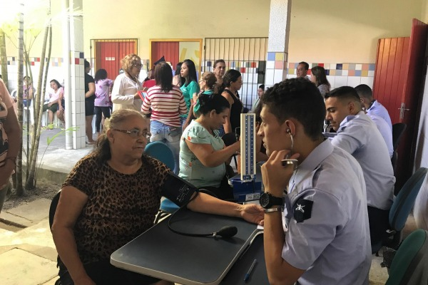 Ação Cívico-Social atende mais de 500 moradores em Fortaleza