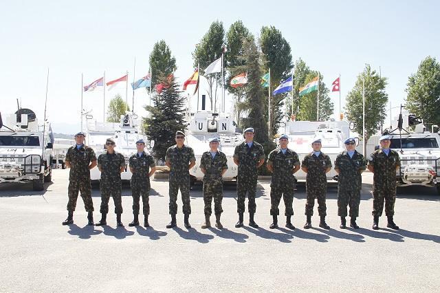 Condecoração de contingente: Aditância de Defesa e do Exército no Reino da Espanha