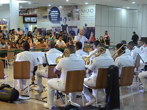Banda de Música dos Fuzileiros Navais realiza apresentação em Manaus