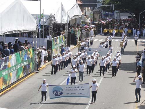 Voluntárias Cisne Branco Natal participam pela primeira vez do Desfile Cívico-Militar da Independência