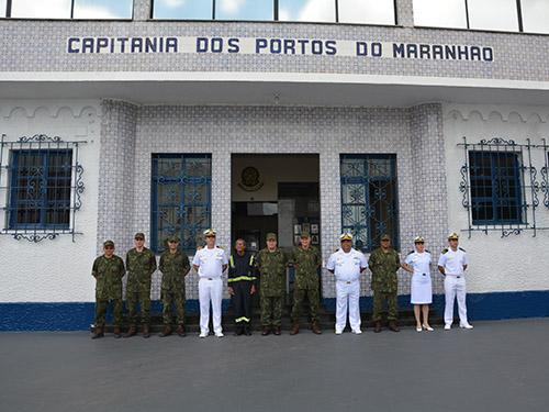 Comandante-Geral do Corpo de Fuzileiros Navais visita organizações militares do Com4ºDN